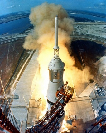 apollo_11_start_rocket_launch_222093